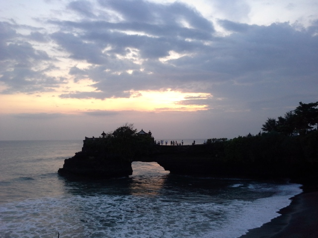 Sunset @ tanah lot